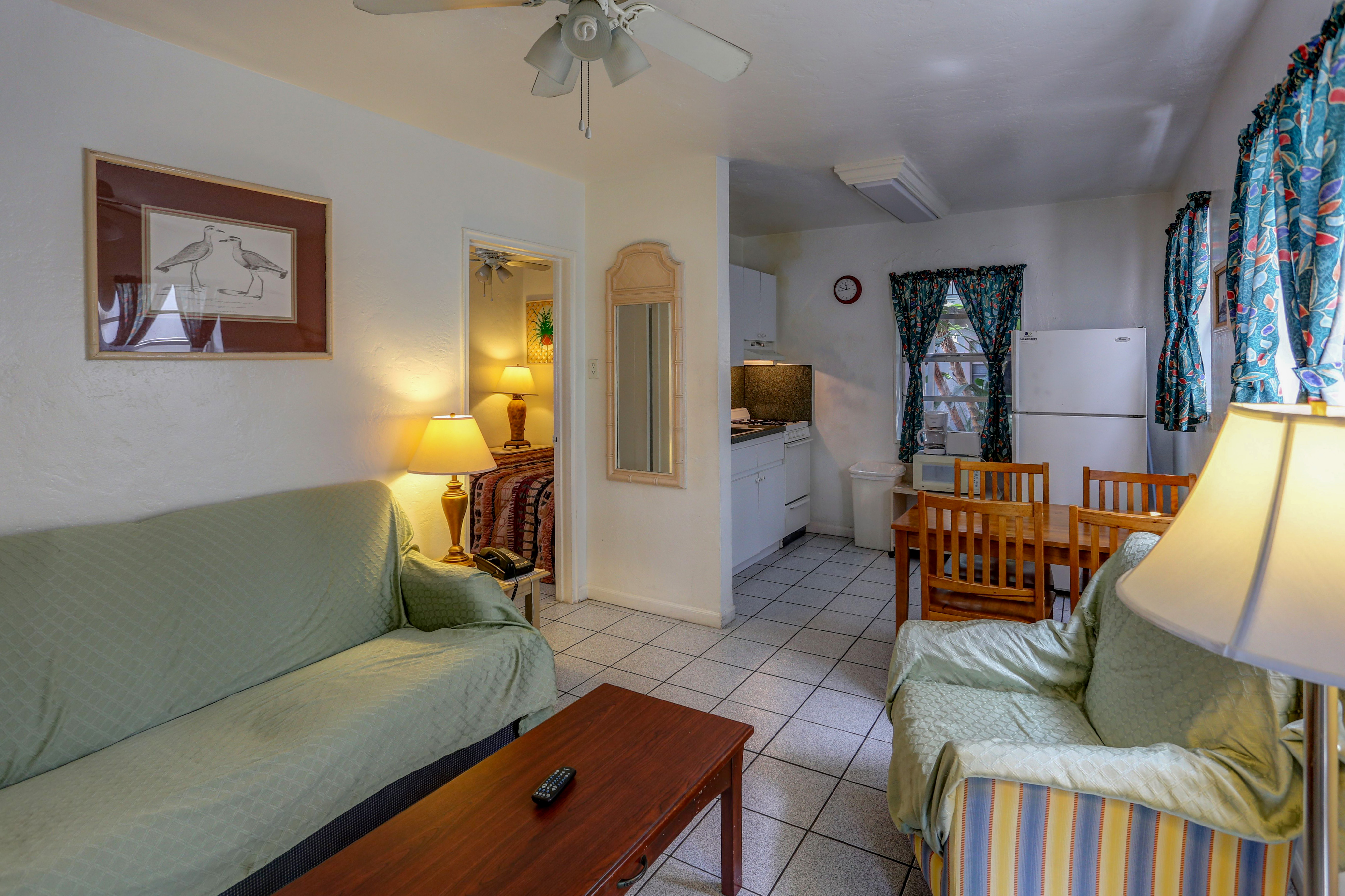 Apartment 1 bedroom richard 39 s motel for Cost to clean 2 bedroom apartment